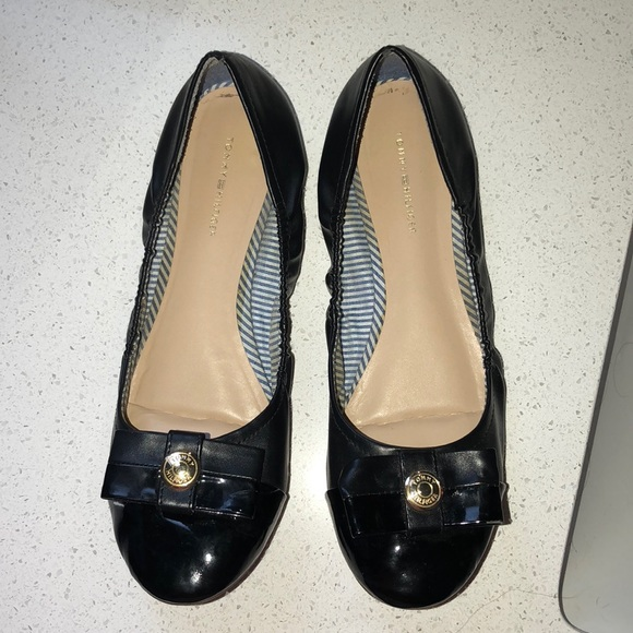 5e0a8ef4 Tommy Hilfiger Shoes | Flats With Bow | Poshmark